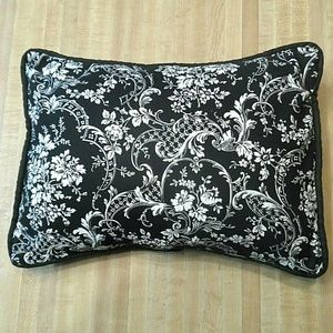 Other - Decorative Throw Pillow Boho 15X11 Floral w/Cover